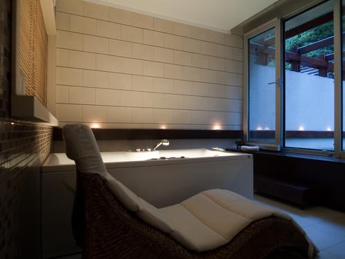 Frameless shower door glass company in dallas tx