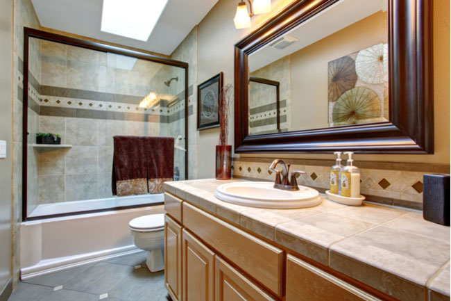 Glass shower doors come in all shapes and sizes. Find the perfect one for your bathroom.